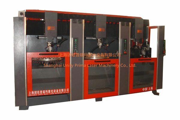 SLWR-3型三工位回�D�w零件激光焊接�C