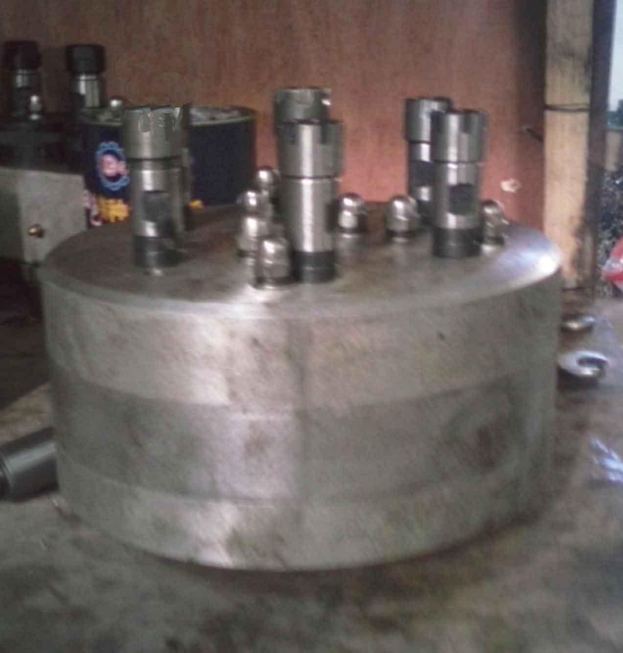 固定式多孔钻头